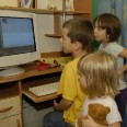 1/5 - Opole Lubelskie: dzieci cieszą się z komputerów. To nie koniec!