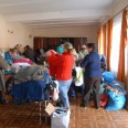 2/2 - Sucha Beskidzka: dwie tony ubrań i żywność dla potrzebujących