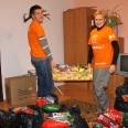 2/6 - Regimin: żywność i prezenty od wolontariuszy