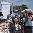 2/6 - Praca ADRA zanim żywność dotrze do osób na Haiti