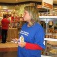 2/7 - Podziel Się Posiłkiem: sukces wrześniowej zbiórki żywności